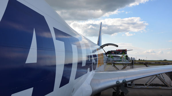 The racing cars flew from Frankfurt-Hahn to Austin, Texas, on board of Atlas Air 747 freighters  /  pictures: mt