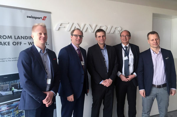 Intensified their partnership (l > r): Ville Halonen, Finnair VP Procurement  / Simon Messner, Swissport SVP Ground Handling Europe / Mieko Tainio, Finnair Head of Ground Services /  Roland Etter, Swissport CEO Finland / Ville Iho, Finnair COO  -  credit