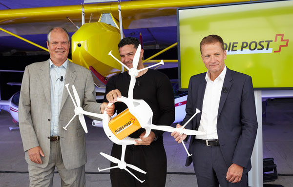 Launched the first drone flight in Bellechasse (l > r): Oliver Evans, Chief Cargo Officer SWISS, Andreas Raptopolous co-founder of Matternet and Dieter Bambauer, Head of Swiss Post Logistic  / courtesy Swiss WorldCargo.