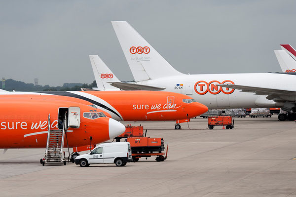 TNT Aircraft lined up at Liege Airport, a 'great location' according to FedEx  -  courtesy TNT