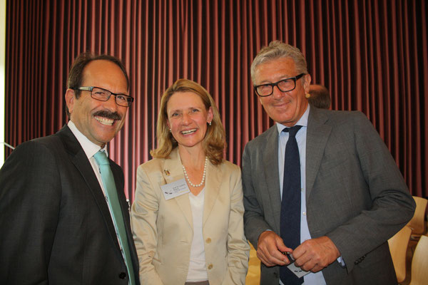 Experts discussing climate issues (l>r): Karl-Rudolph Rupprecht LH Cargo, Lucia Reisch, Copenhagen Business School, Ingo Schoenheit, Imug Institute  /  source: hs