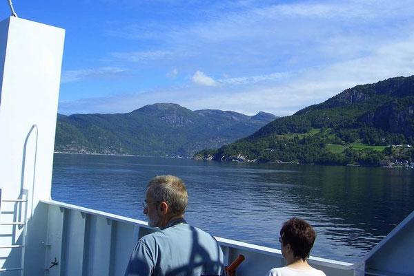 Doe Fähre über den Josenfjord