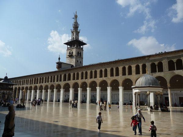 der Innenhof der Omaijadenmoschee in Damaskus