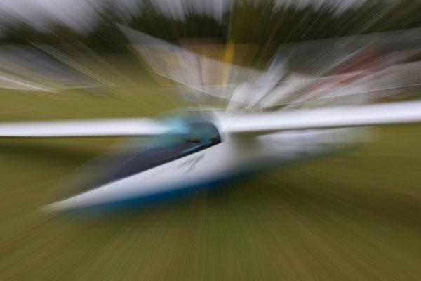 """""""Action"""", Segelflugzeug/Sailplaine, Nagold, Germany, 05.10.2014, Canon EOS 550d. Foto: Eleonore Schindler von Wallenstern."""