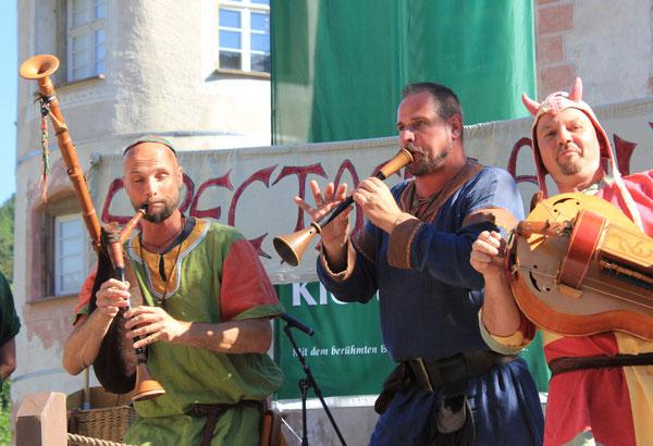 """Spielleute/Minstrels """"SPECTACULATIUS"""", Schloß Glatt/Glatt Castle, Sulz-Glatt, Germany, 09.08.2014, Canon EOS 550d. Foto: Eleonore Schindler von Wallenstern."""