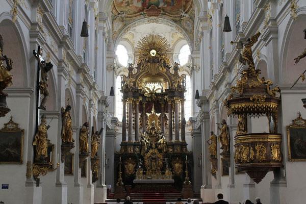 Alt St. Peter, München/Munich, Germany, 29.07.2011, Canon EOS 550d. Foto: Eleonore Schindler von Wallenstern.