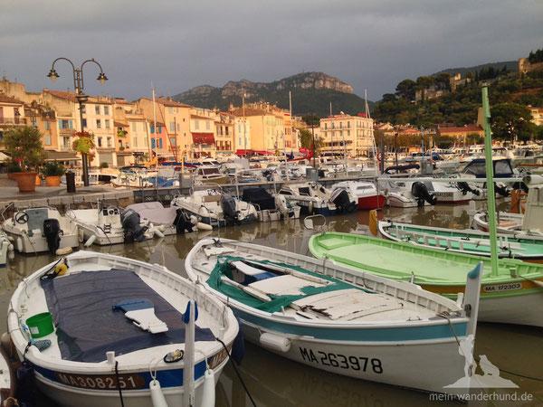 Der wunderschöne Hafen von Cassis.