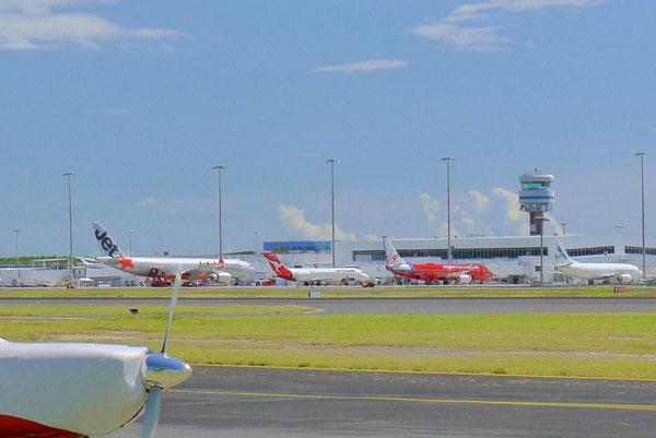 ケアンズ空港。