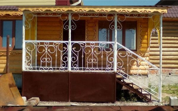 Перила кованые в Кургане. Белые
