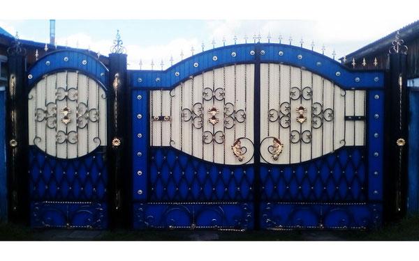 Кованые ворота комбинированные.