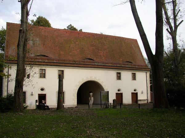 Das Torhaus von der Hofseite Foto Krowiorsch