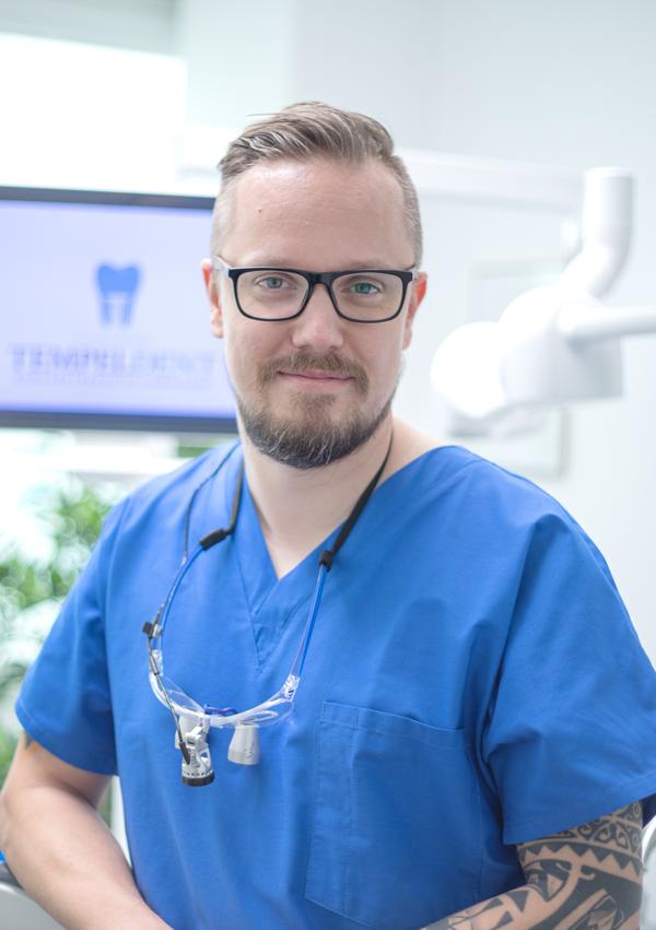 Zahnarzt Peer Kaleth und Team