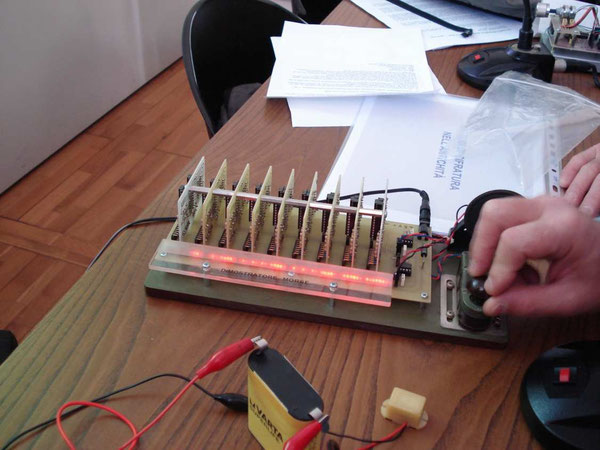 Dimostratore Morse con zona a led attiva, progetto di IZ0GNY Vito