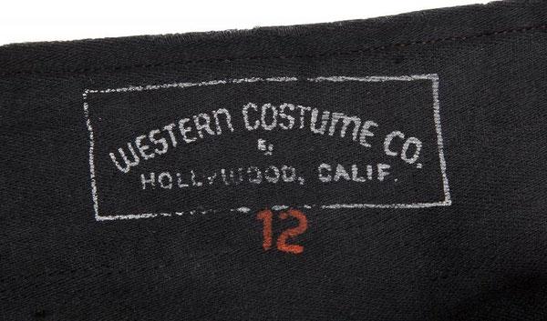 Tampon de la WESTERN COSTUME COMPANY (voir biographies) à l'intérieur du costume.