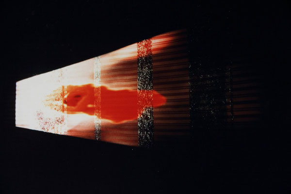 Annecchini–Hübner, Change studio d'arte contemporanea, Rome, 1996. tangential oblique slideprojection onto structure. 300x150 cm