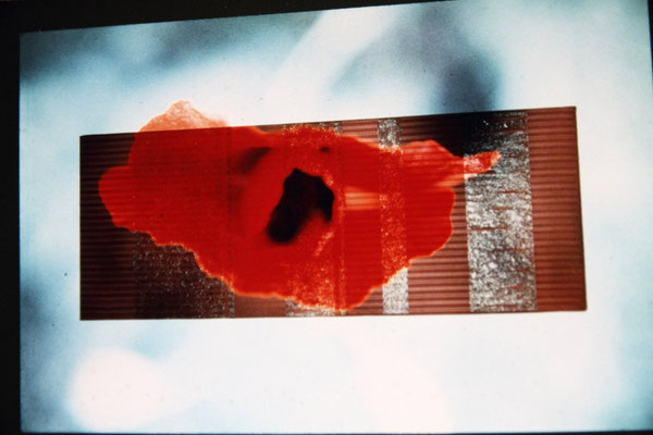 Annecchini – Hübner,  Change - studio d'arte contemporanea, Rome, 1996. stright slideprojection onto structure. 300x200 cm