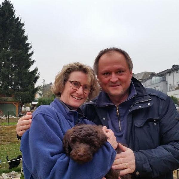 Lucie wohnt jetzt bei Isa,Peter und ihren Kindern in Österreich