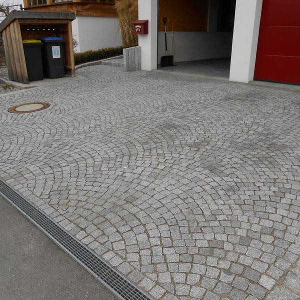 Hofeifahrt Naturstein Granit