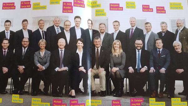 Tolle Truppe! Gruppenbild im Mitgliedermagazin aller Landtags- und Bundestagsabgeordneten aus Baden-Württemberg