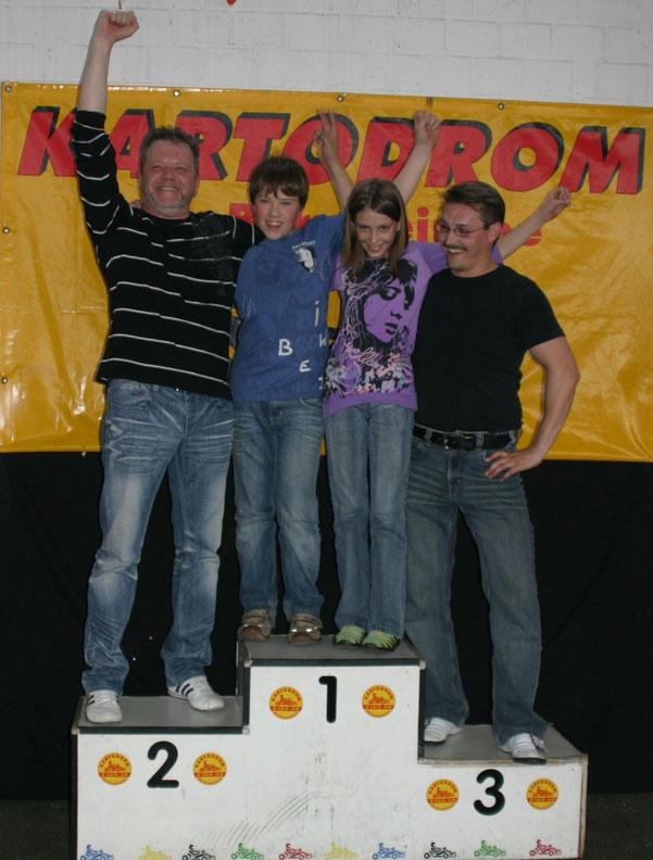 Das Siegerfoto: Michael, Erik, Emma und Eduard