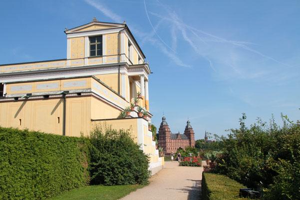 Schönes Aschaffenburg: Blick vom Pompejanum auf das Schloss Johannisburg