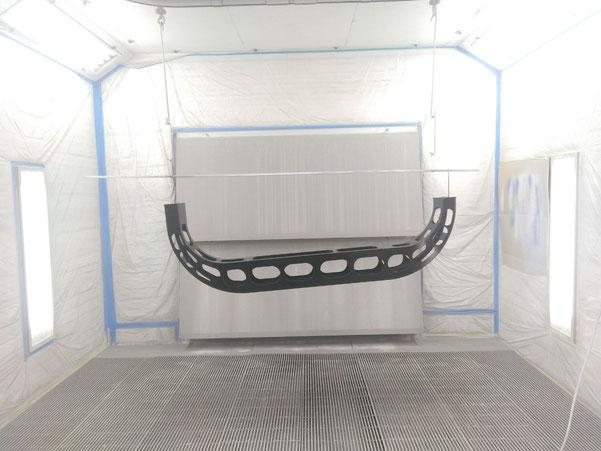 Industrie flexibler Monitorhalter abkanten, Schweissen, Laserschneiden Lackieren schwarz Blechbearbeitung in der Schweiz