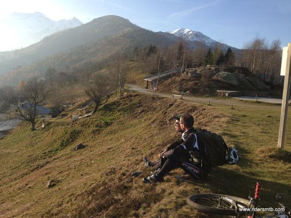 dopo una luuuuuuunga sosta mangiareccia e bevereccia... affrontiamo la brevissima risalita per il monte Castelletto con sosta al colle Vaccera