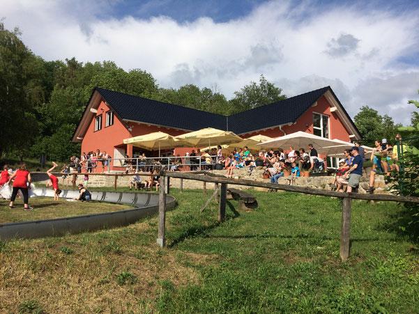 """Auftritt der """"coolen Tanzkids"""" aus Eckartsberga zum Kindertag im Rodler-Treff"""