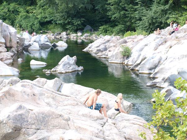 Les baignades dans le Gardon d'Anduze