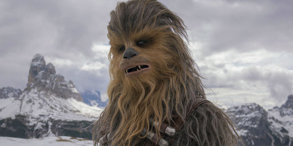 Chewbacca - die Szene, in der der Imperator ihn zur Strafe rasiert, fehlt leider.