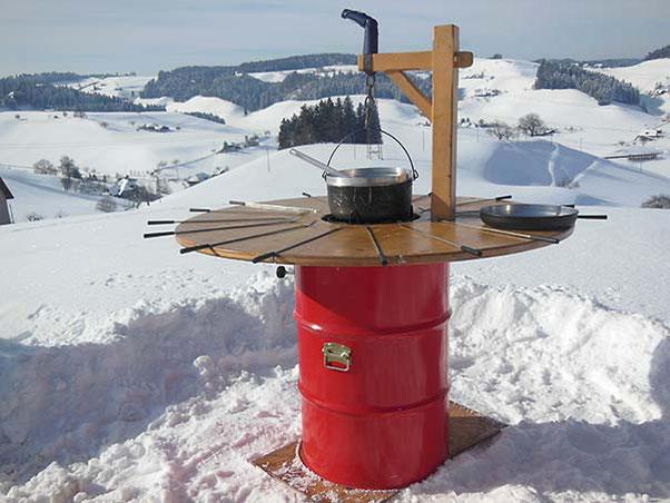 Fondue-Bar in Winterlandschaft