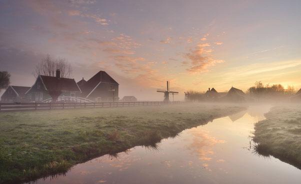 533. Mistige ochtend op de Zaanse Schans (4461)