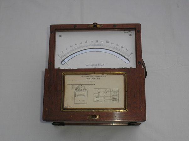 Hartmann & Braun  Voltmeter Gleichspannung über Vorwiderstände Typ. Wnv