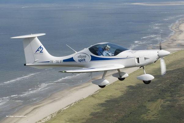 Cliquez sur l'image : découvrez les subtilités de cet aéronef aux ailes de forme elliptique...
