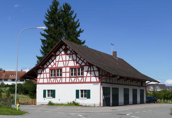 Altes Werkgebäude in Henggart (zwischen Winterthur und Schaffhausen) mit Coworking Space und Raum auf Zeit für Pilates, Yoga, Massage, Coaching, Hypnose, Aromatherapie und ähnliches.