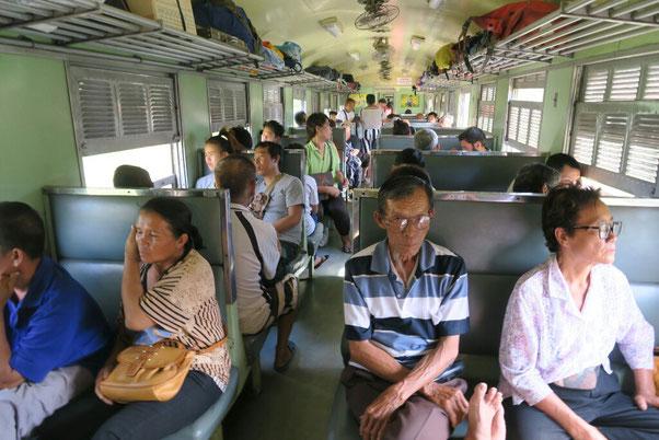 Dans le train pour Nakhon Sawan