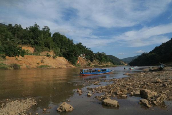Port de Muang khua, d'où nous prenons le bateau pour Muang ngoi