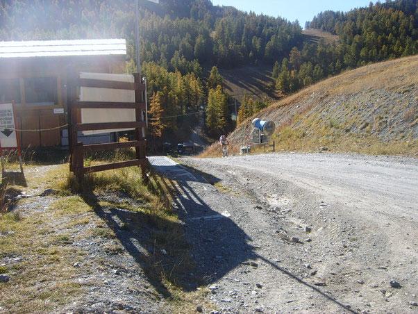 e come detto..si risalgono le piste da sci di Claviere con non poca fatica