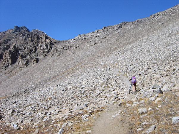 l'ultima parte del sentiero presenta una pendenza e una  sdrucciolevolezza degni del cicloalpinismo!!!