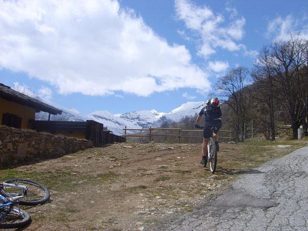 la giornata è splendida la Val Pellice ancor di più