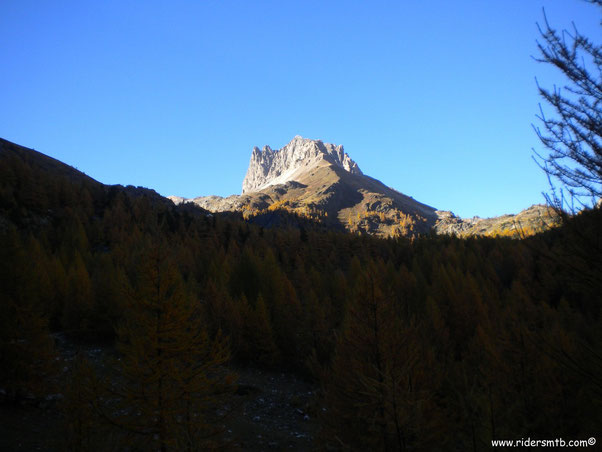 Il Monte Thabor visto  dal fondo valle