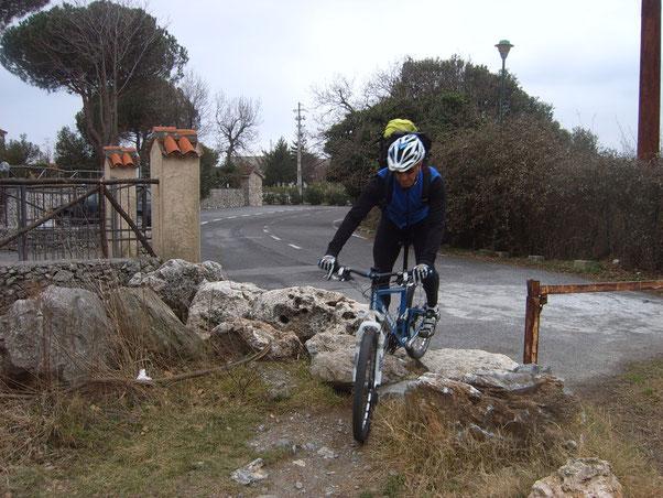 superiamo il muro che separa la vita monotona dal paradiso dei bikers