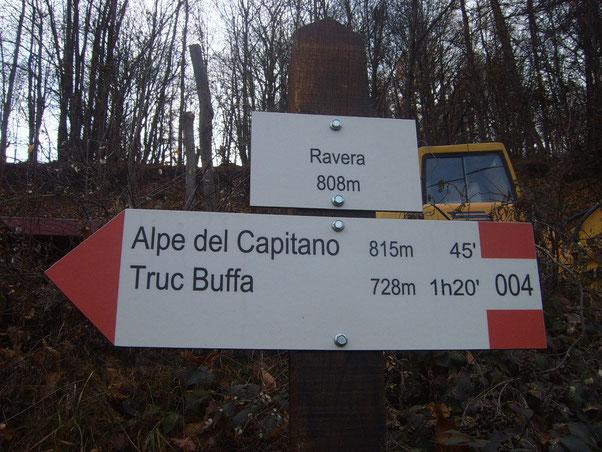 alla Borgata Ravera troviamo l'insegna per Alpe del Capitano..... arrivati pensiamo!!...ci mettiamo le protezioni e ci infiliamo sullo sterrato.....ma dopo qualche metro scopriamo che bisogna affontare tre rampe da Infarto!!!