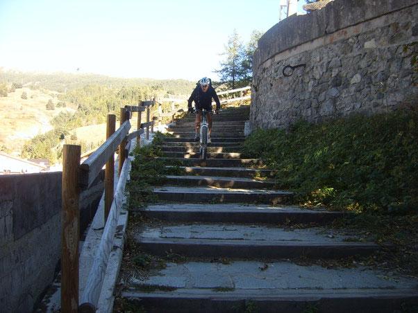 Enzo e finito....per evitare di allungare  taglia giù dalle scale...eccoci in quel di Cesana..giro terminato!!!