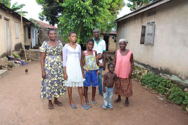 Patentkind Juli mit Familie
