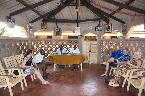 Besuch beim Dorfchef in Madjikpeto