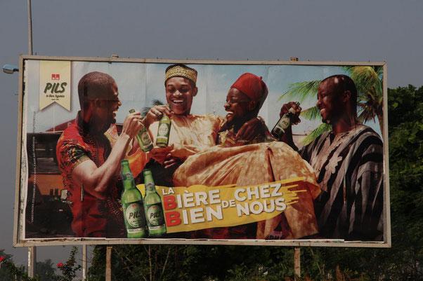 Bierwerbung beim Seemannsheim in Lomé