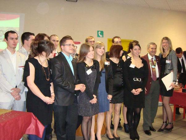 Réception de la charte en présence du Gouverneur 2010-2011 du D 1750