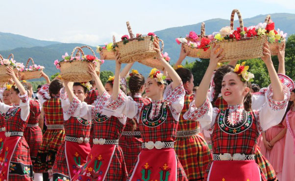 Le Festival de la rose dans la vallée des roses en Bulgarie