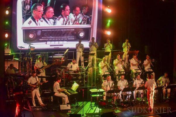 Die Big Band der Bundeswehr sorgt beim Benefizkonzert des Villinger Lions Clubs für musikalischen Genuss. Bild: Roland Sprich